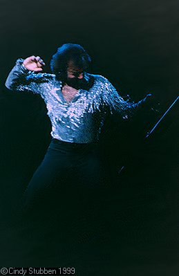 Neil Diamond in Indianapolis 1983 (c) Cindy Stubben
