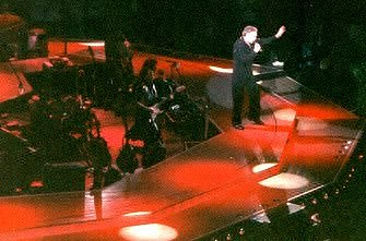 Neil at Wembley Arena on Sat Mar 13, 1999