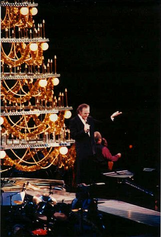 Neil Diamond at Madison Square Garden, NYC, Christmas 1993 - Photo by Alex Popov