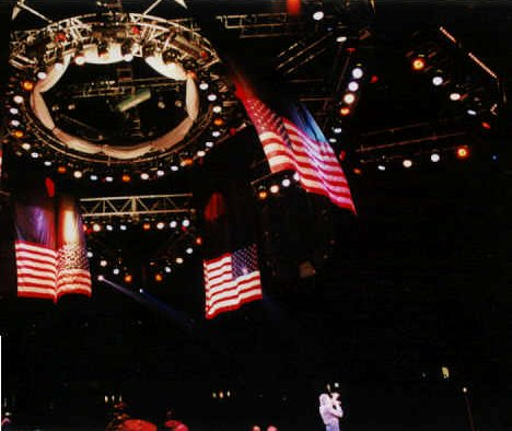 Neil Diamond at Continental Airlines Arena, East Rutherford, NJ, 1999 - Photo by Alex Westner