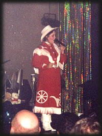 Christine Llewellyn as PATSY CLINE, Memories Theatre, Pigeon Forge, TN 7-16-01