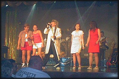 Dave Battah as ROD STEWART, Memories Theatre, Pigeon Forge, TN 7-16-01