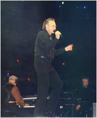 Neil Diamond 12/13/99  Photo by Sylvia Stevens